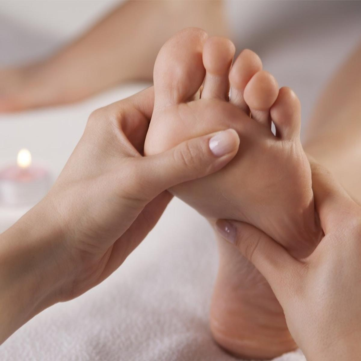 Hey guys I'm offering my reflexology (foot massage) treatment for HALF PRICE for anyone who has not experienced the blissful relaxation of this beautiful treatment. Feel free to message me on here or follow my instagram page. Sapphire_signature1