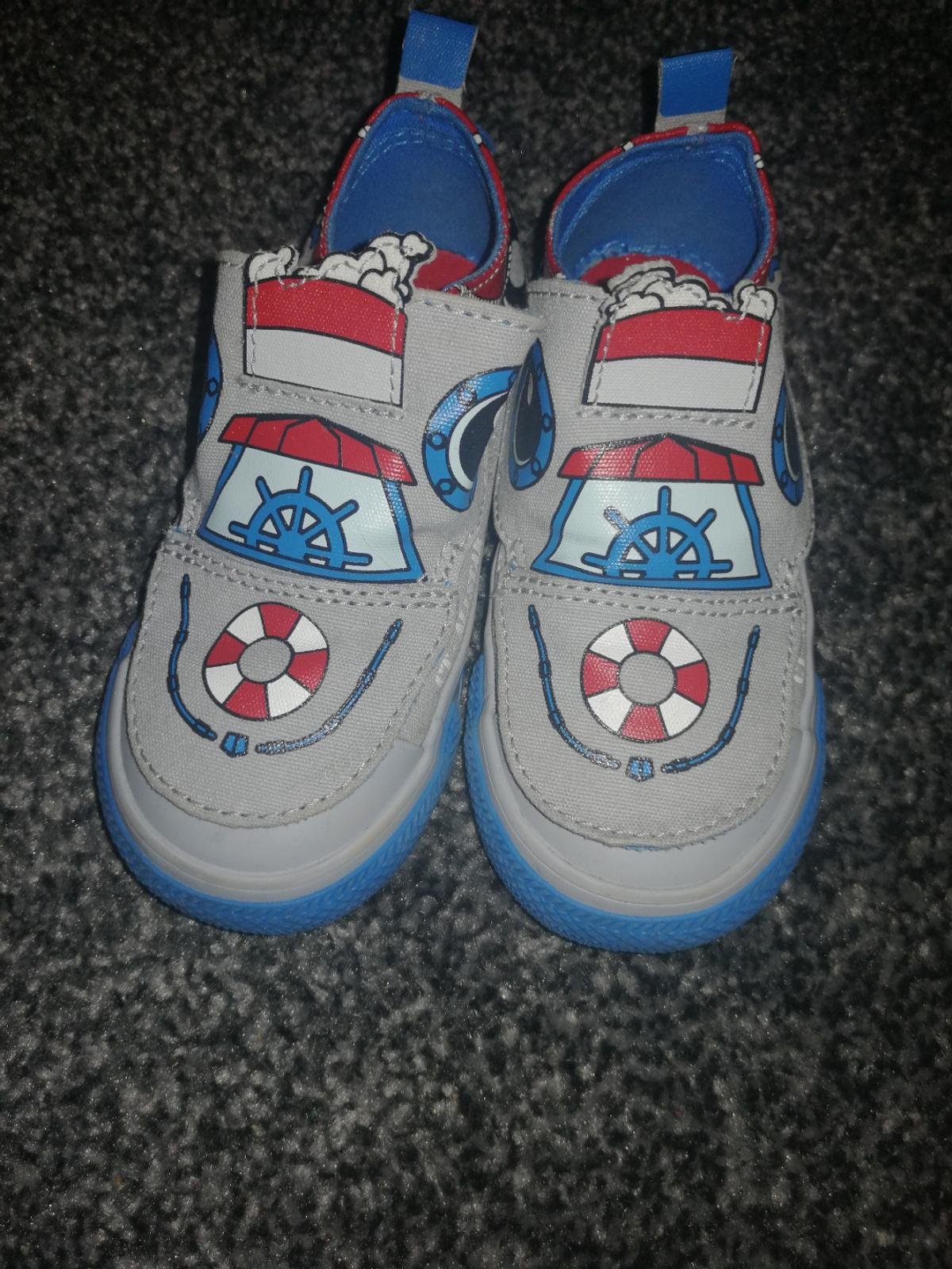 infant boys converse size 7.5 never been worn outside