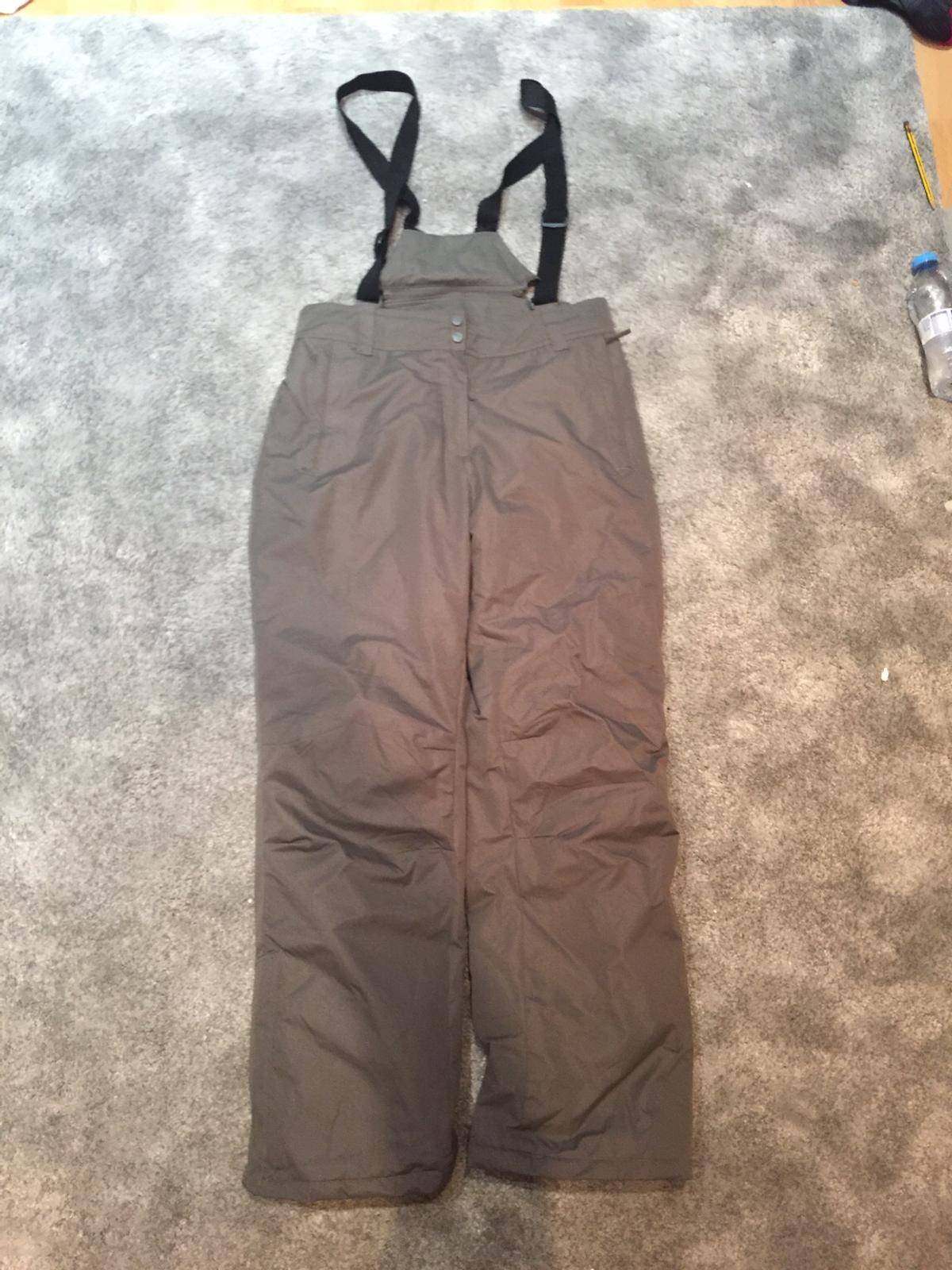 Mountain warehouse Size 14 Perfect condition Water proof, warm, super comfortable Ask for more info Collection only