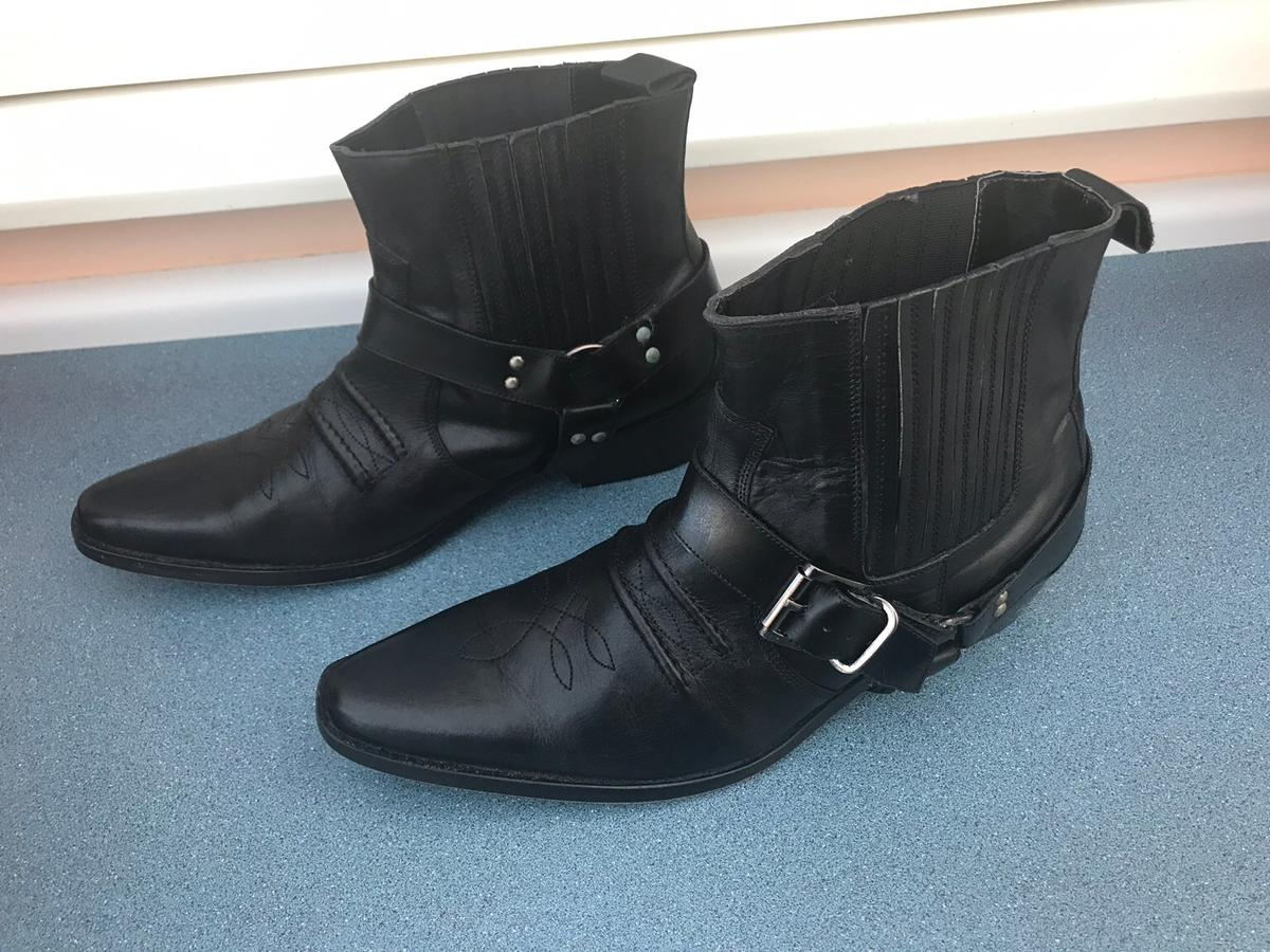 Real leather line dancing boots size 10 only used twice