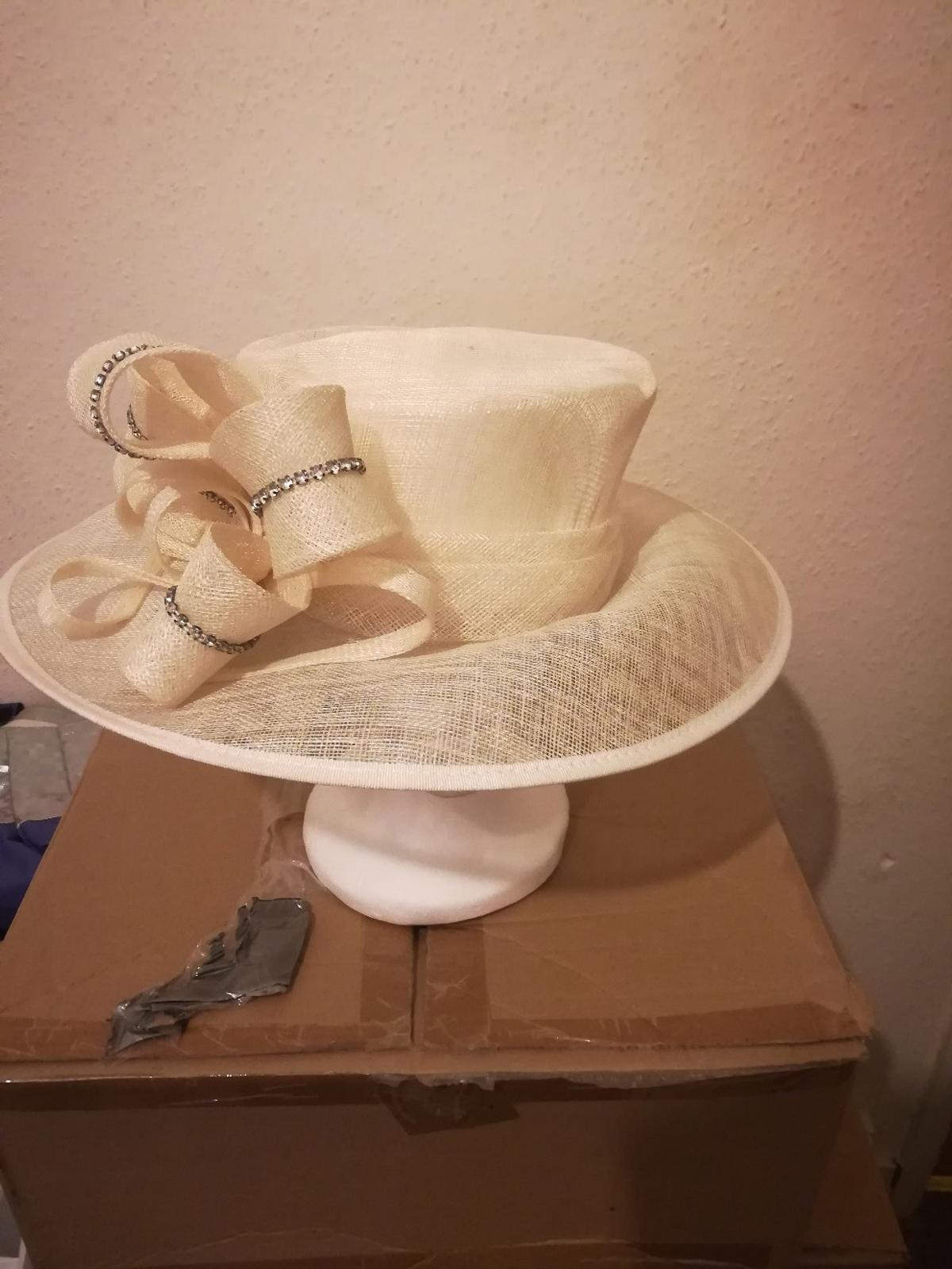 ed45353b4c456 occasion hat in ivory in RG2 Reading for £40.00 for sale - Shpock