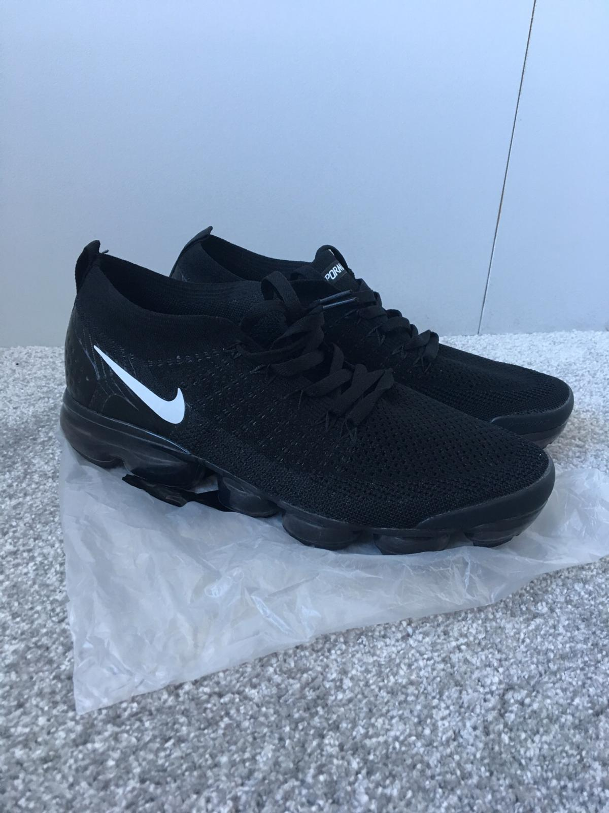 shop best sellers store undefeated x Nike Air Vapormax Flyknit UK Size 10 Brand Ne