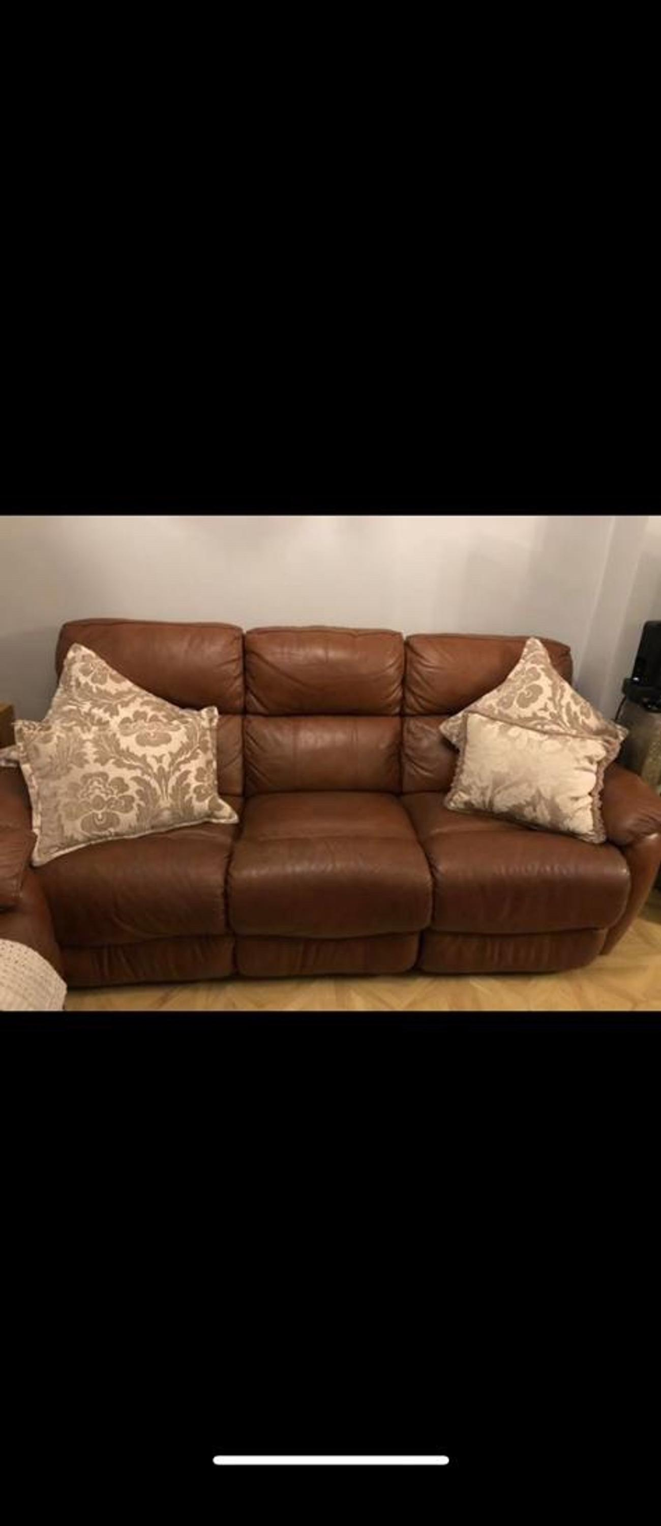 ITALIAN LEATHER SOFAS in TW20 Runnymede for £600.00 for sale ...