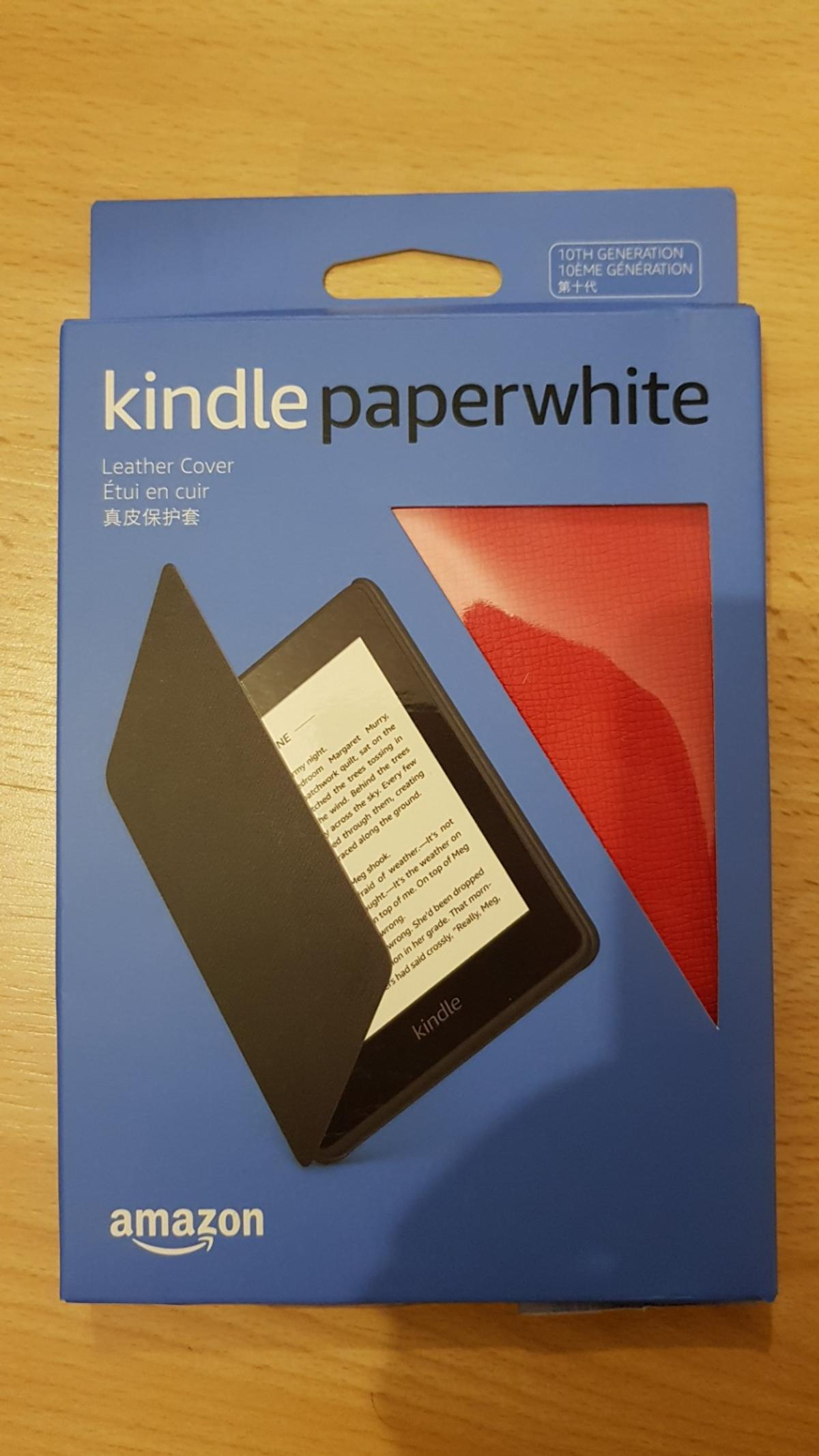 Kindle Paperwhite 2018 with leather case