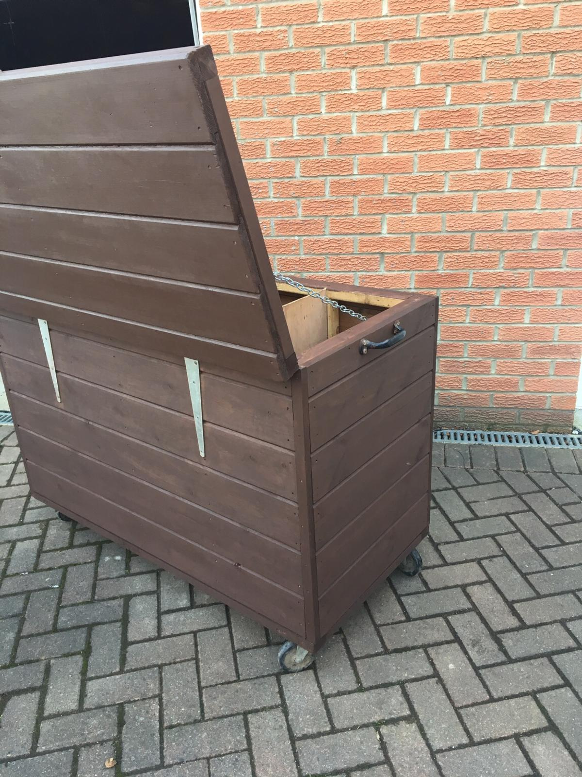 Wooden Horse Feed Boxstoragerugs Feed Bin In Sr3 Sunderland For