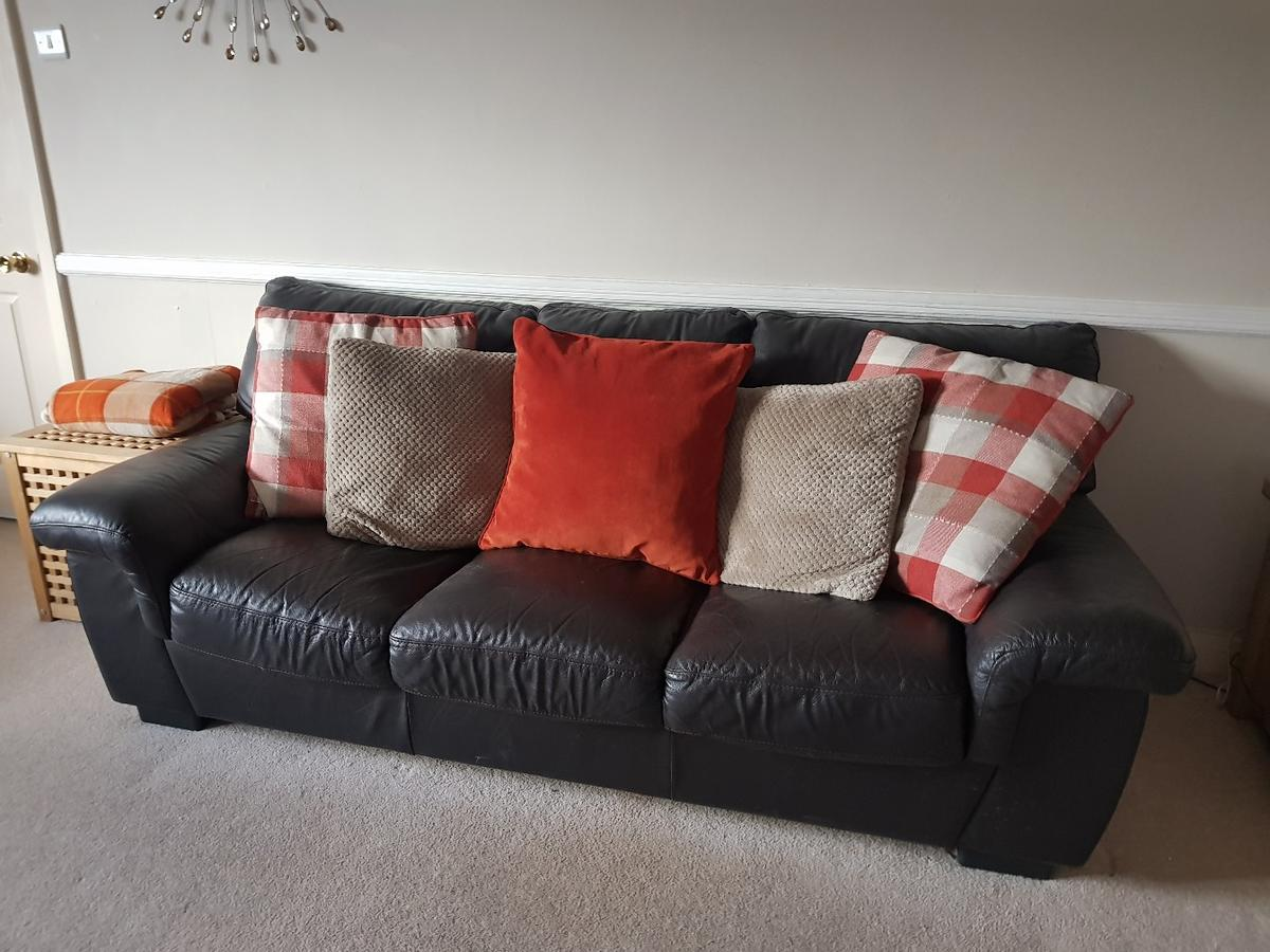 3+2 seater brown leather sofa offers welcome in High Peak ...