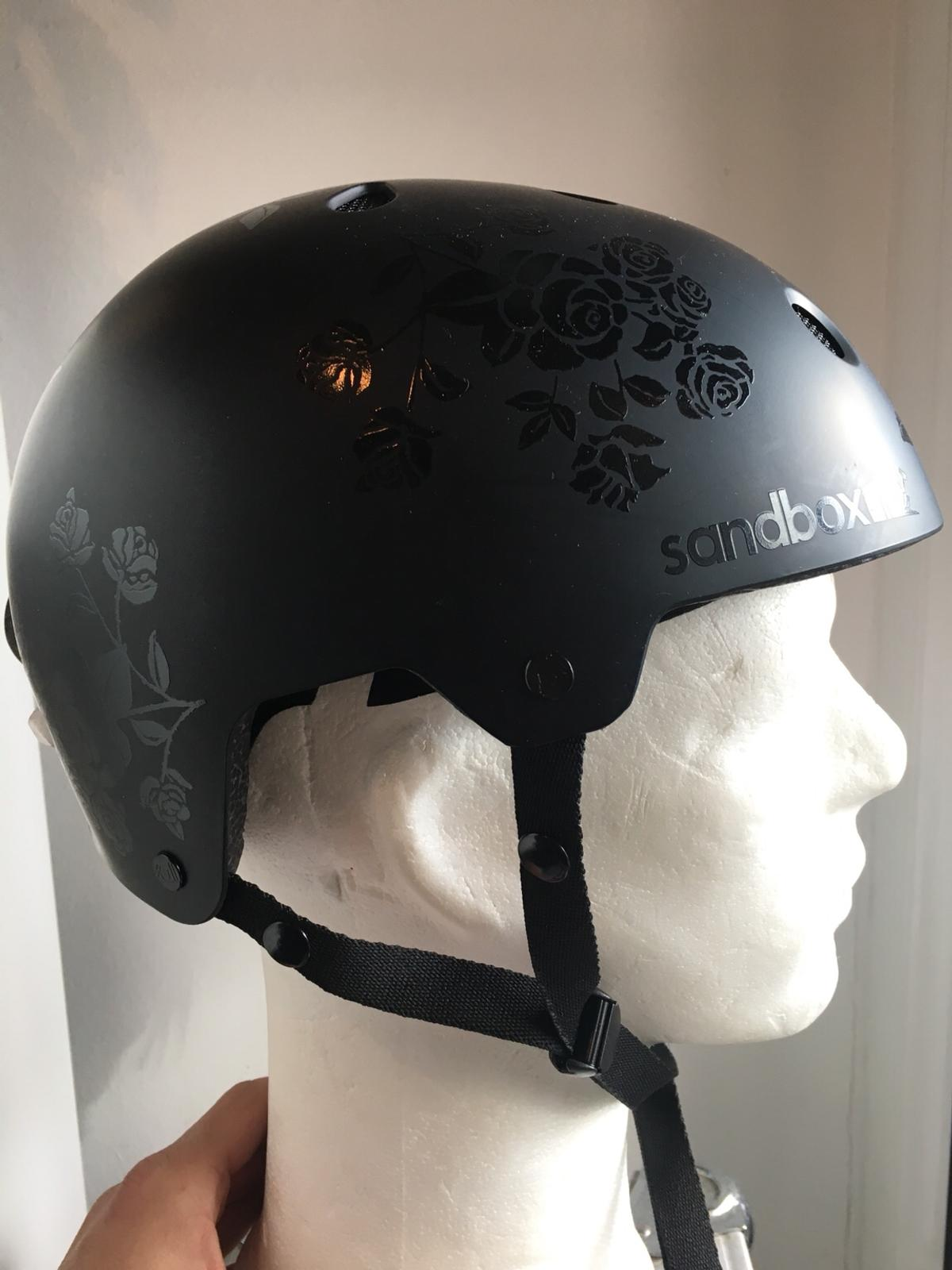 Sandbox Helm Girls Größe Medium neu