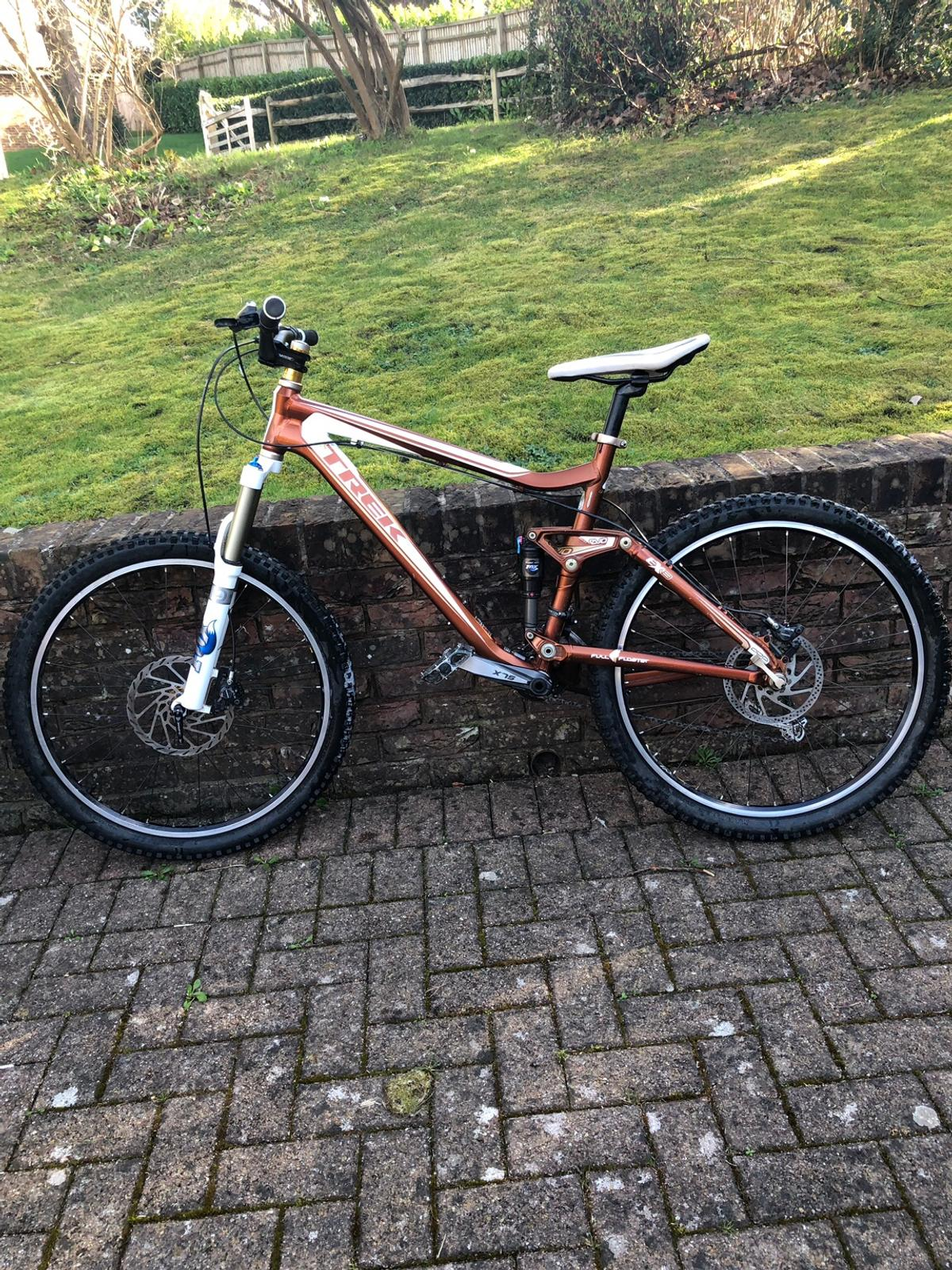trek evo ex 8 full suspension mountain bike  in KT20