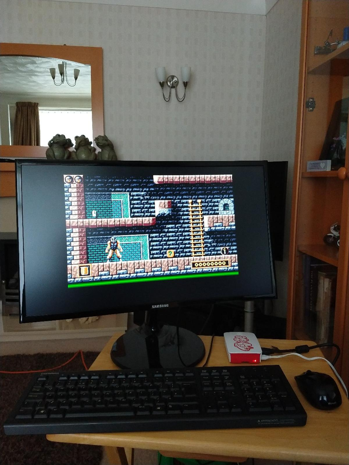 Retro filled Raspberry pi 3 + Commodore Amiga in L25