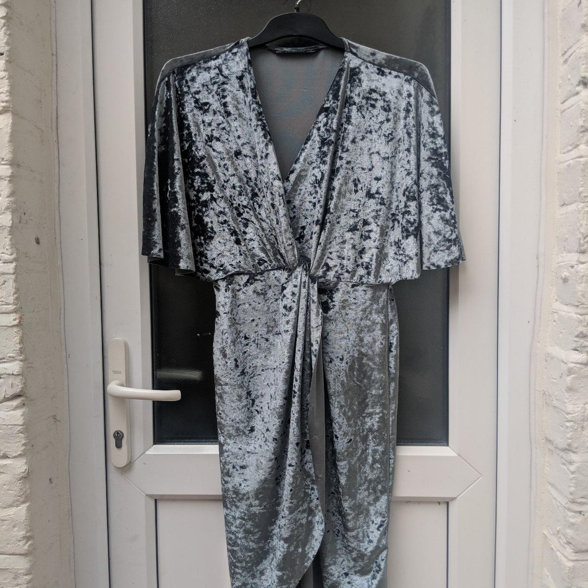 94a8dc8b Zara Crossover Wrap Velvet Midi Dress in E15 London for £20.00 for sale -  Shpock