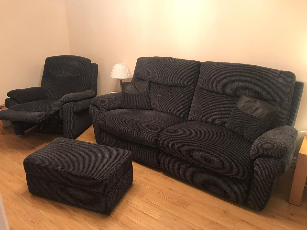 Great Condition Scs Lazyboy Sofa Set In