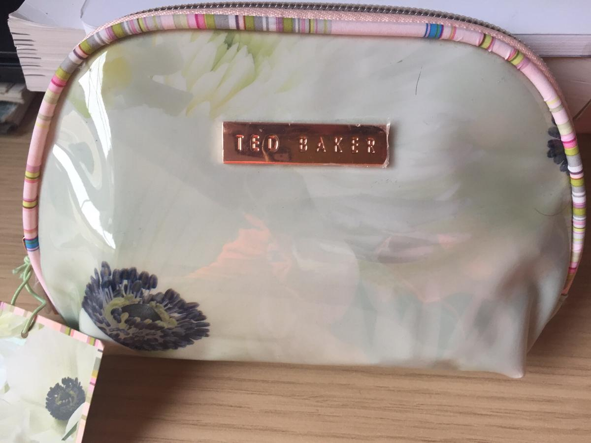 1f9caf071 Ted Baker makeup bad in E1W London for £4.00 for sale - Shpock