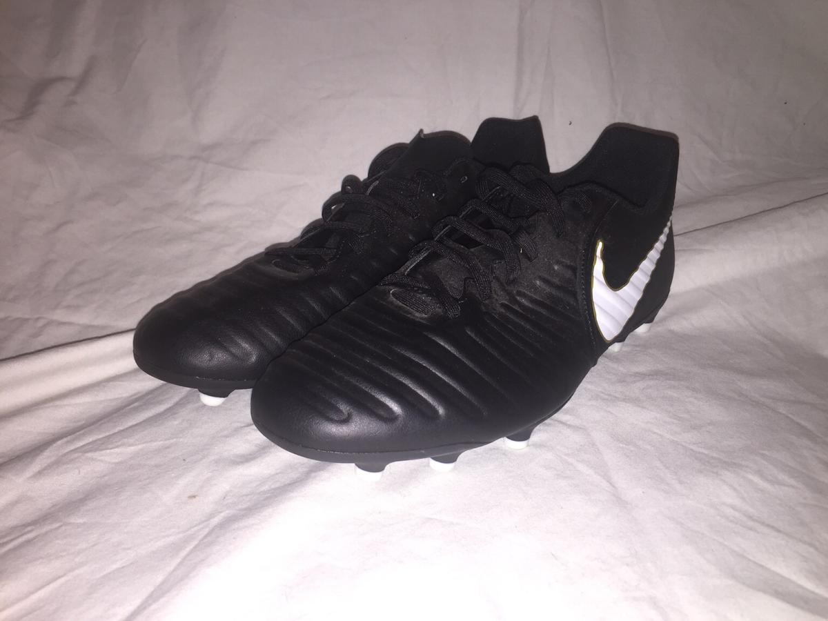 carril palma Respiración  Black Nike Tiempo Football Boots in HD8 Kirklees for £25.00 for sale |  Shpock