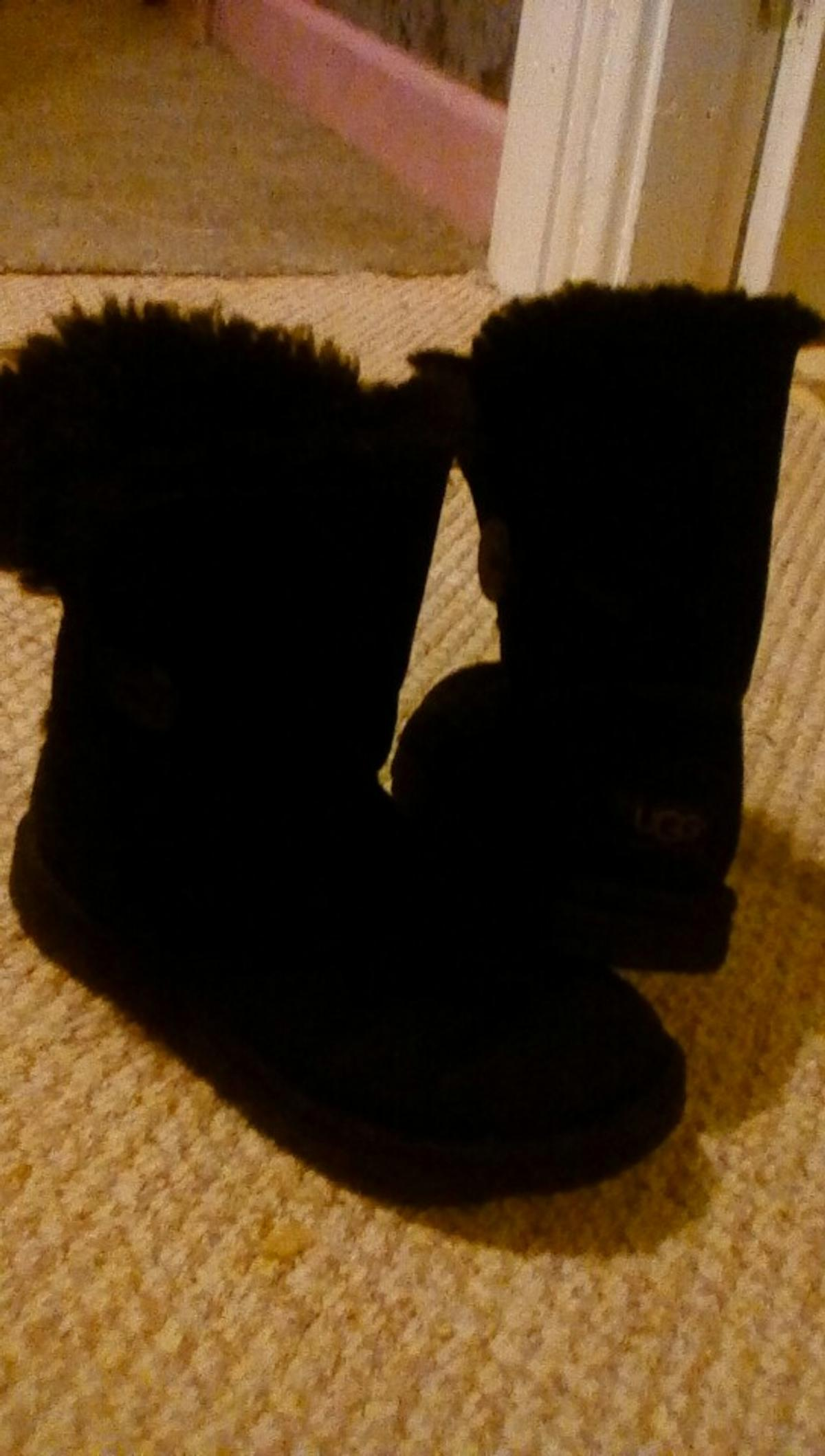 uggs size 3