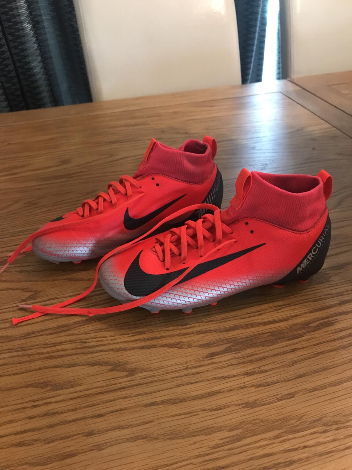 Memorizar Regularidad anfitriona  Nike Mercurial football boots size 3 in Nottinghamshire for £5.00 for sale  | Shpock