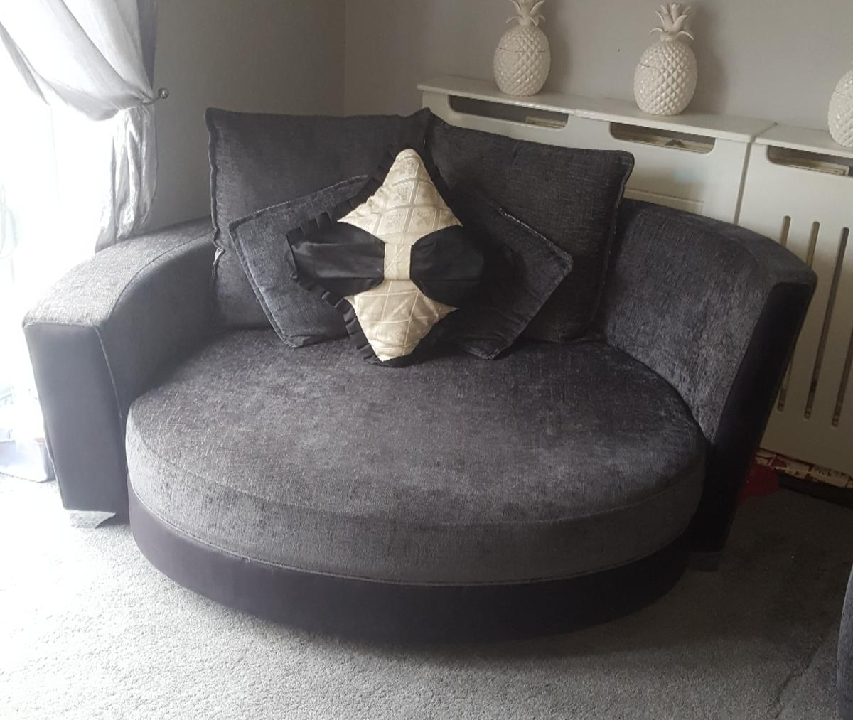 Dfs 2 Seater Cuddle Chair In Cr4