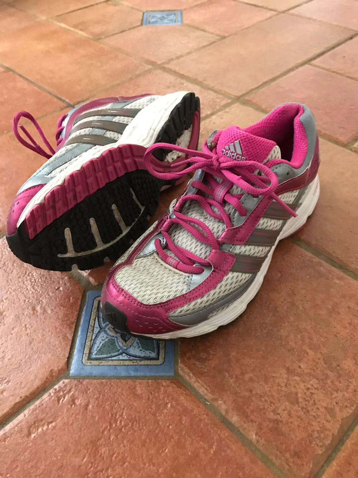 interior Cuervo Soportar  Adidas 'adiprene' pink and white trainers 5 in SO40 Forest for £5.00 for  sale | Shpock