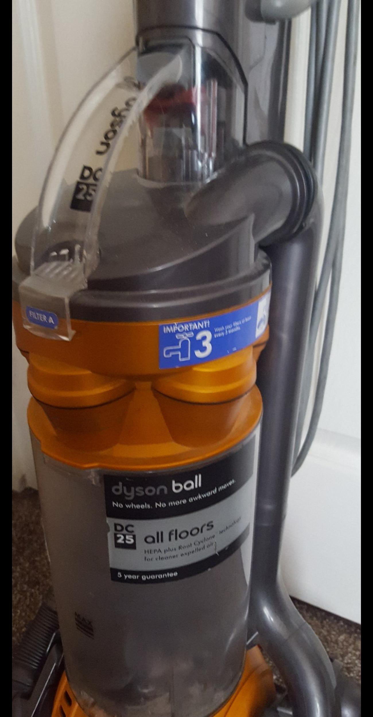 Dyson Ball DC25 hoover vacuum cleaner in BL3 Bolton for