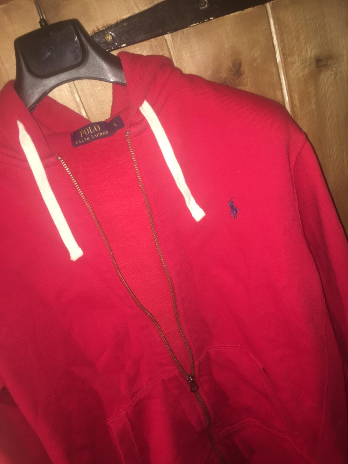 Comfortable, warm, immaculate condition and honestly hardly worn. The POLO hoodie will compliment many personal looks and is in my opinion a chill and comfort hoodie. How can you not resist? I clearly couldn't Bought for 65 still withholding immaculate condition.