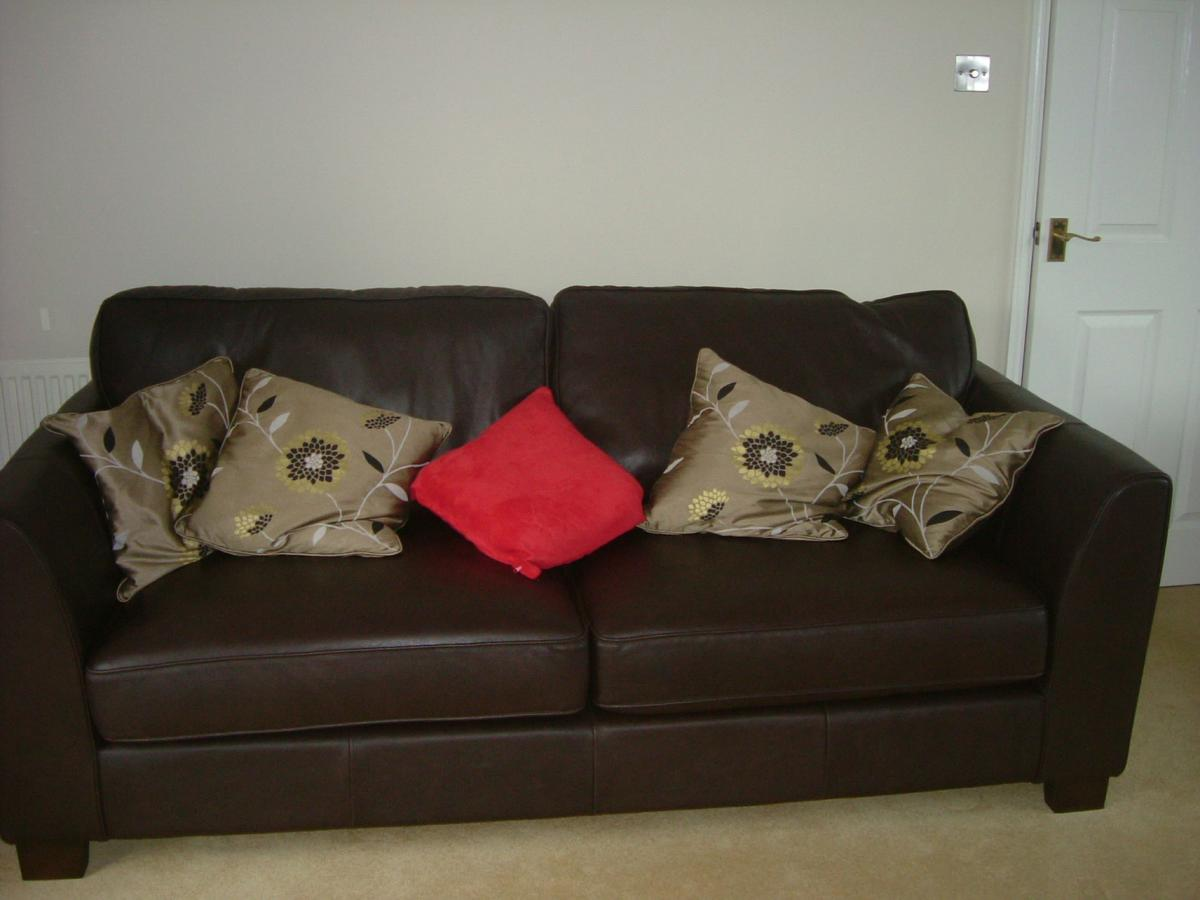 Admirable Contemporary Sofa 2 Chairs Footstool In Nn11 Daventry For Theyellowbook Wood Chair Design Ideas Theyellowbookinfo