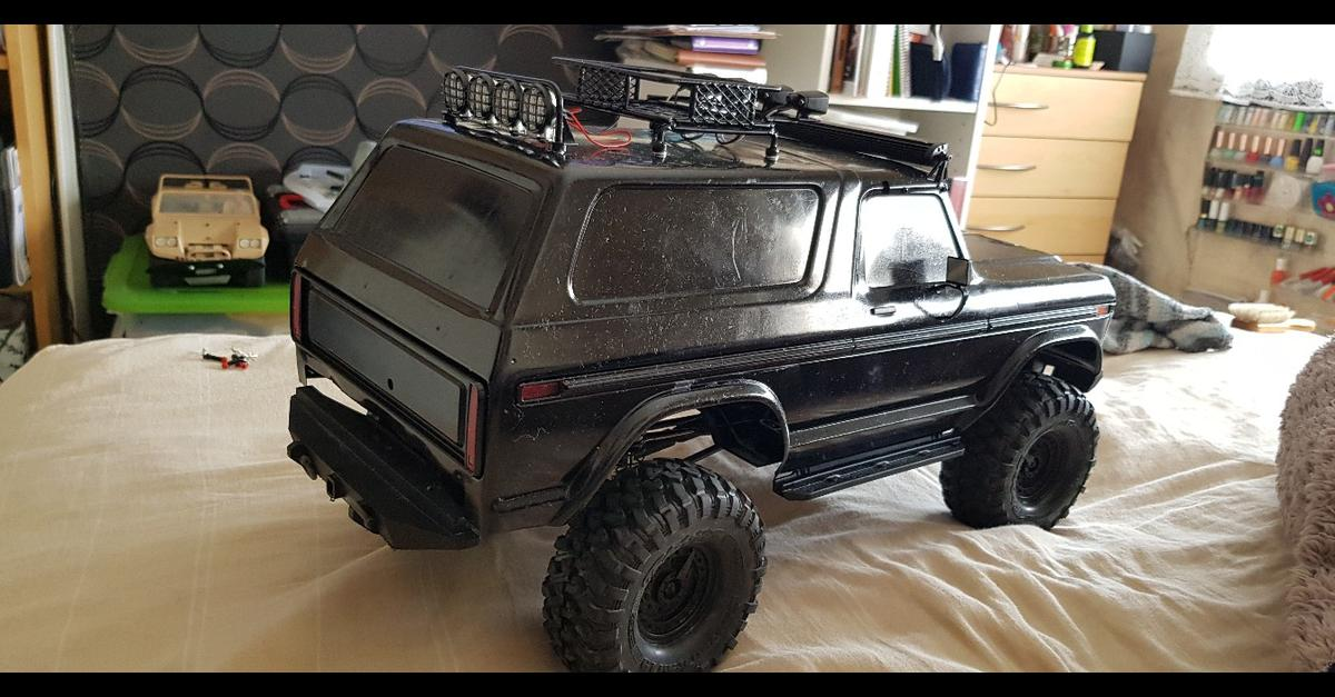 TRAXXAS TRX4 FORD BRONCO BODY WITH ACCESORIES in SW11 London