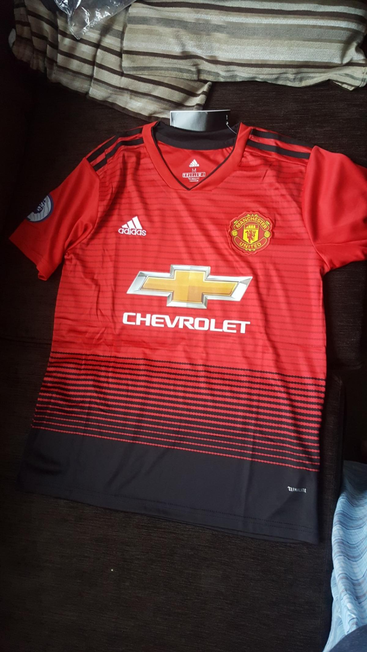 in stock 03e85 d12f3 Children's Manchester United jersey & shorts in E14 Hamlets ...