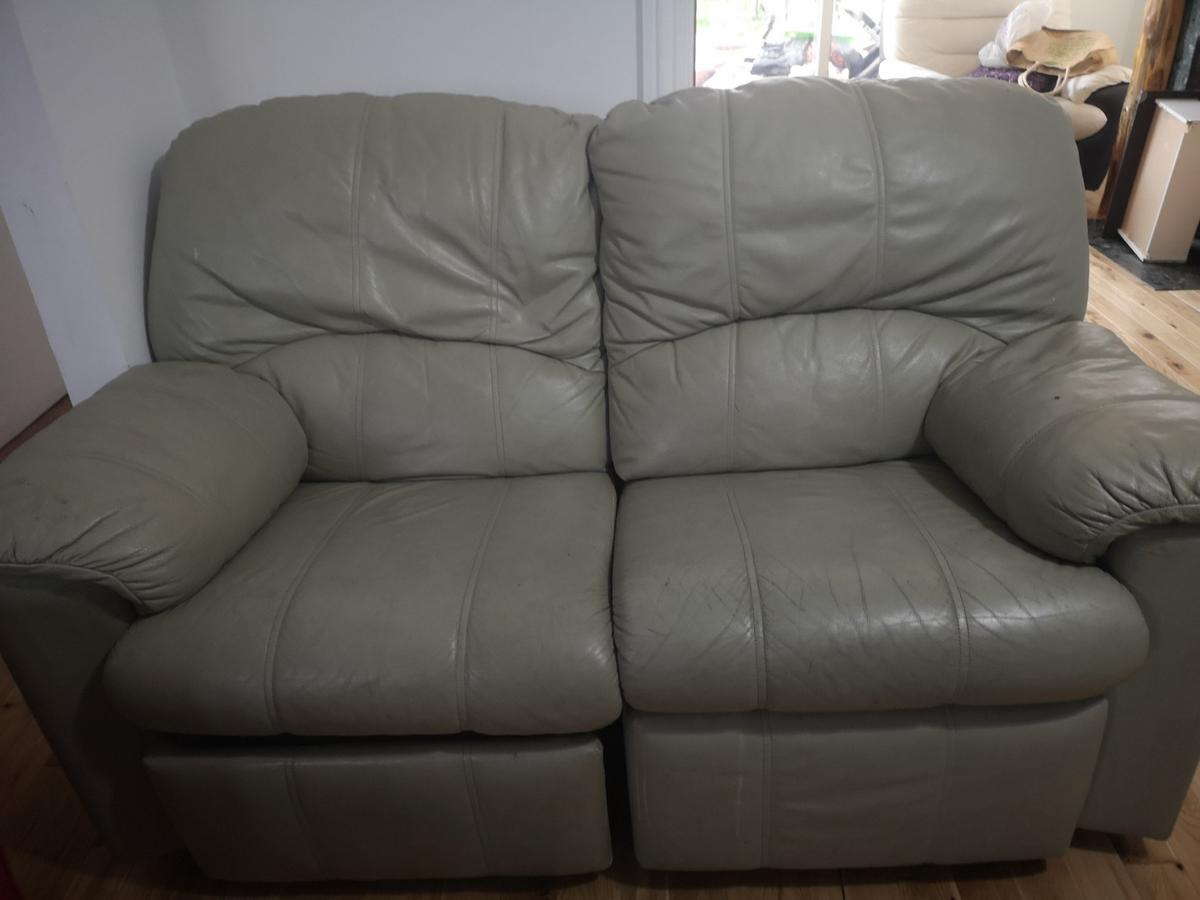 Excellent 3 2 Leather Sofa Mint Green In Sm5 Sutton For 40 00 For Machost Co Dining Chair Design Ideas Machostcouk