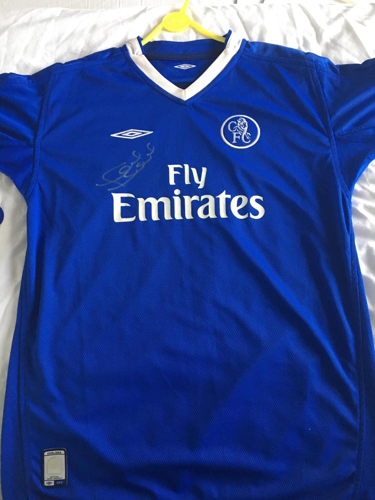 the best attitude 0c074 f5402 Signed Chelsea shirt