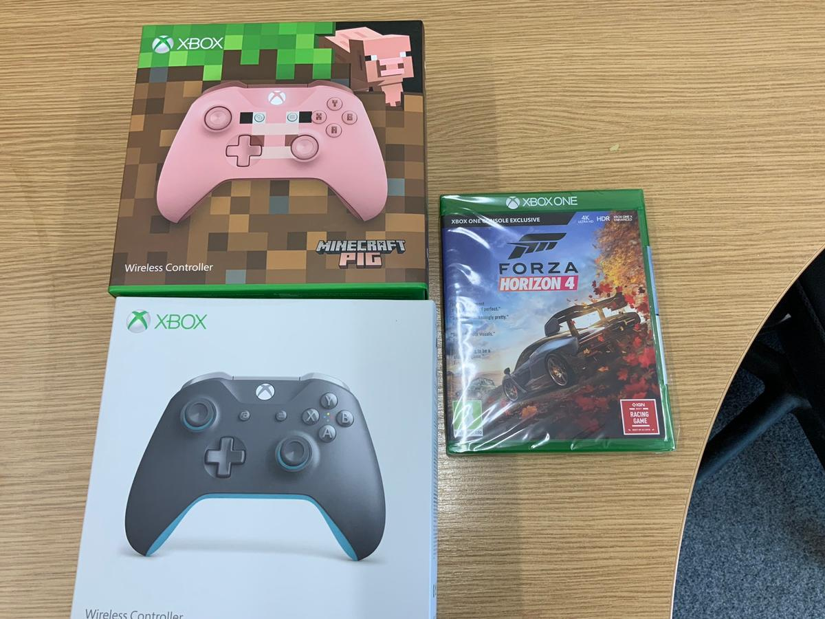 Xbox one controllers and forza 4