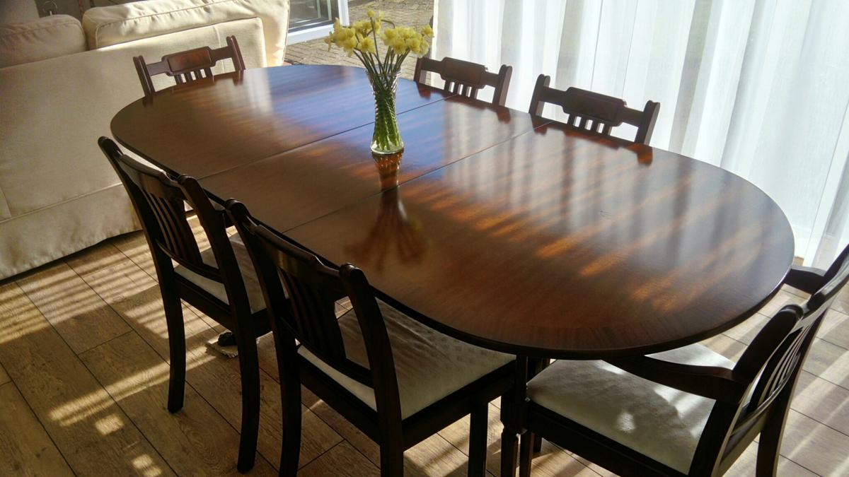 Dining Table And 6 Chairs Including 2 Carvers