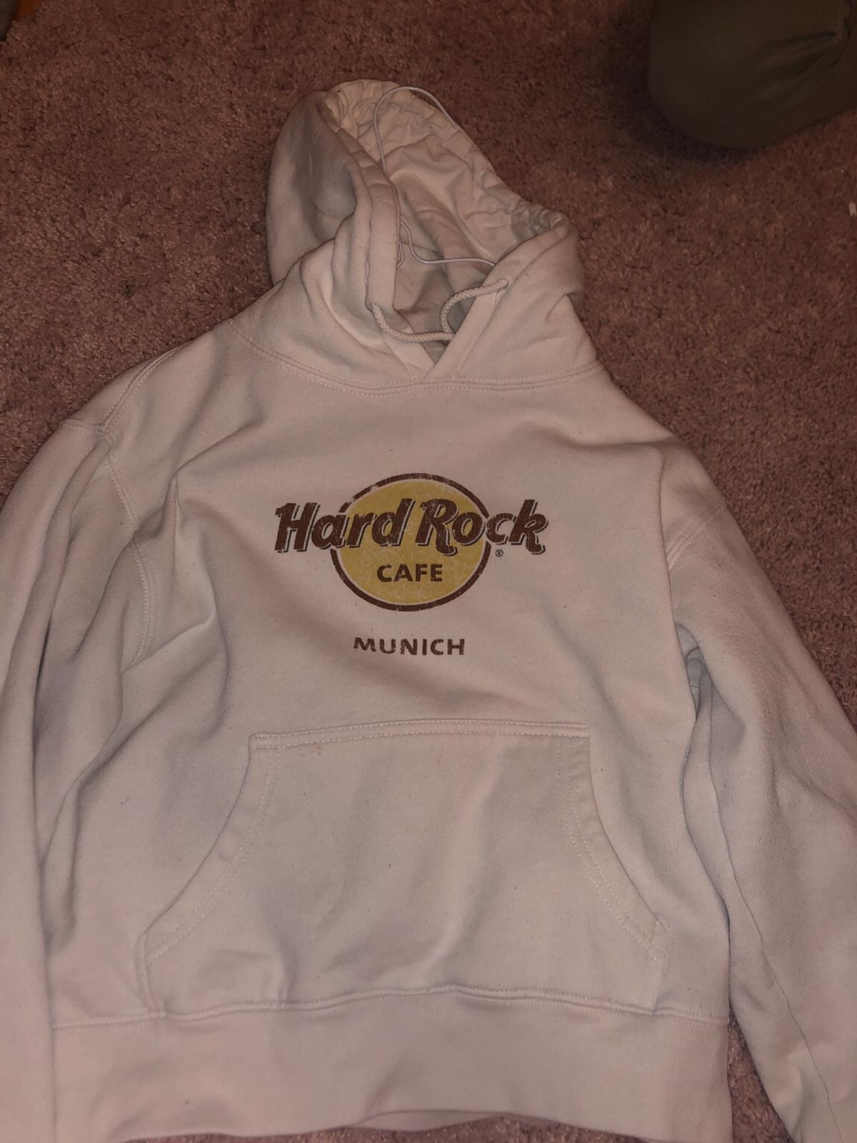 d104a9d2 Hard rock cafe hoodie in 6330 Kufstein for €25.00 for sale - Shpock