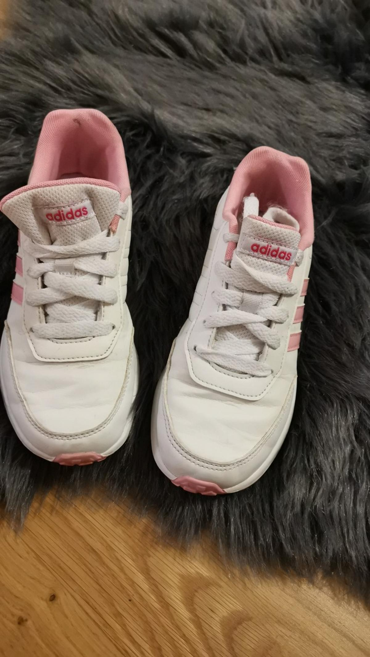 d26744579cec5 Adidas trainers girls size UK2 in RM1 London for £5.00 for sale - Shpock