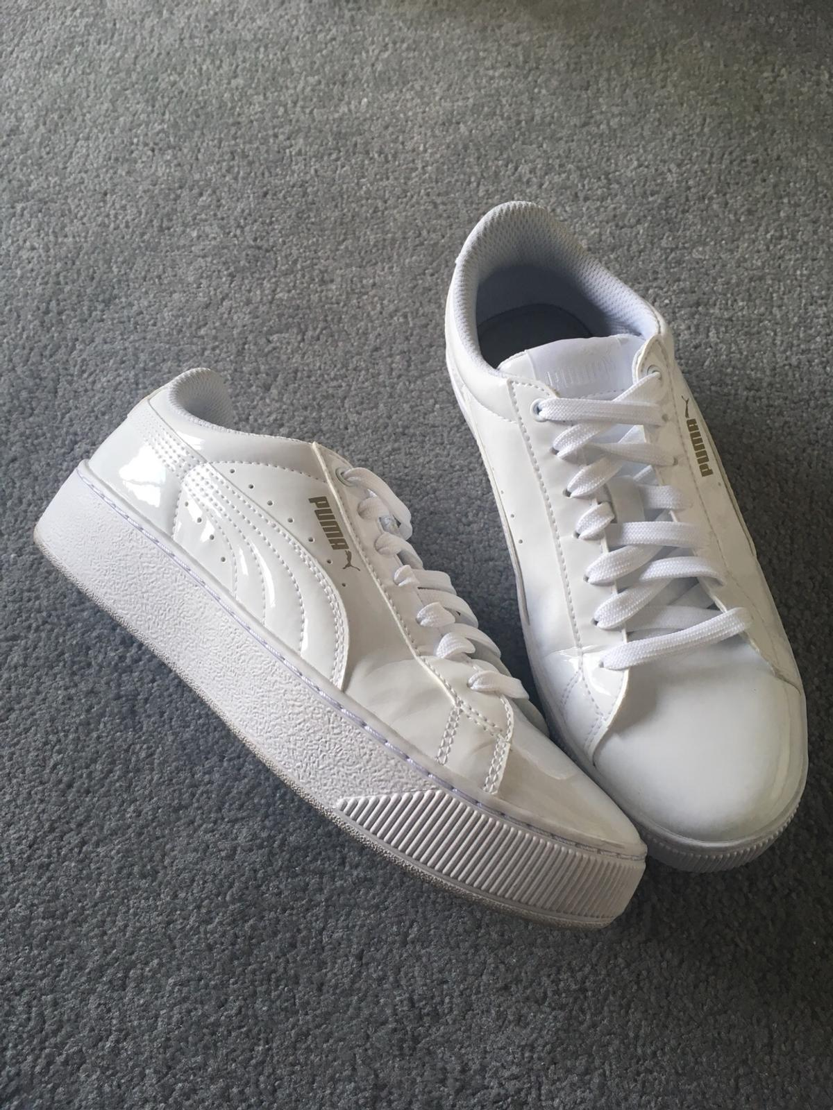 on sale a6107 60382 Ladies Puma white patent trainer size 4