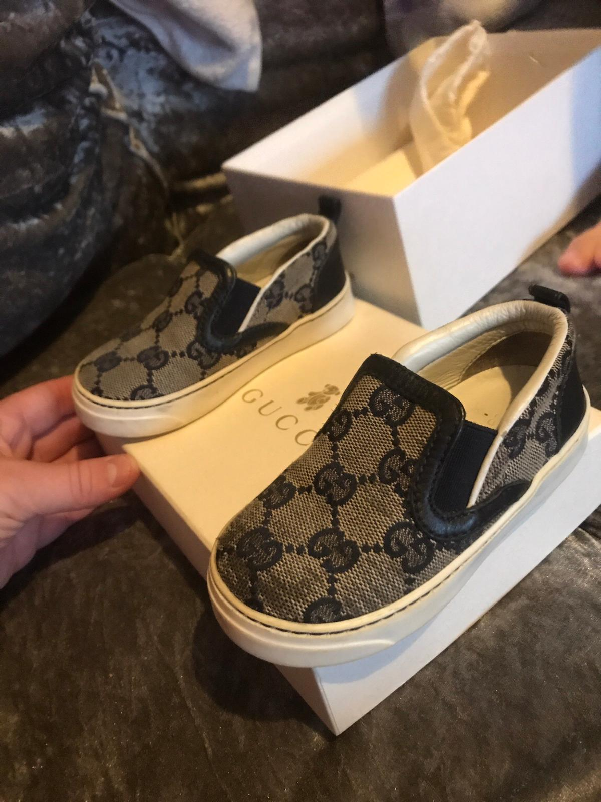 80b9ee2c99 Real infant Gucci shoes