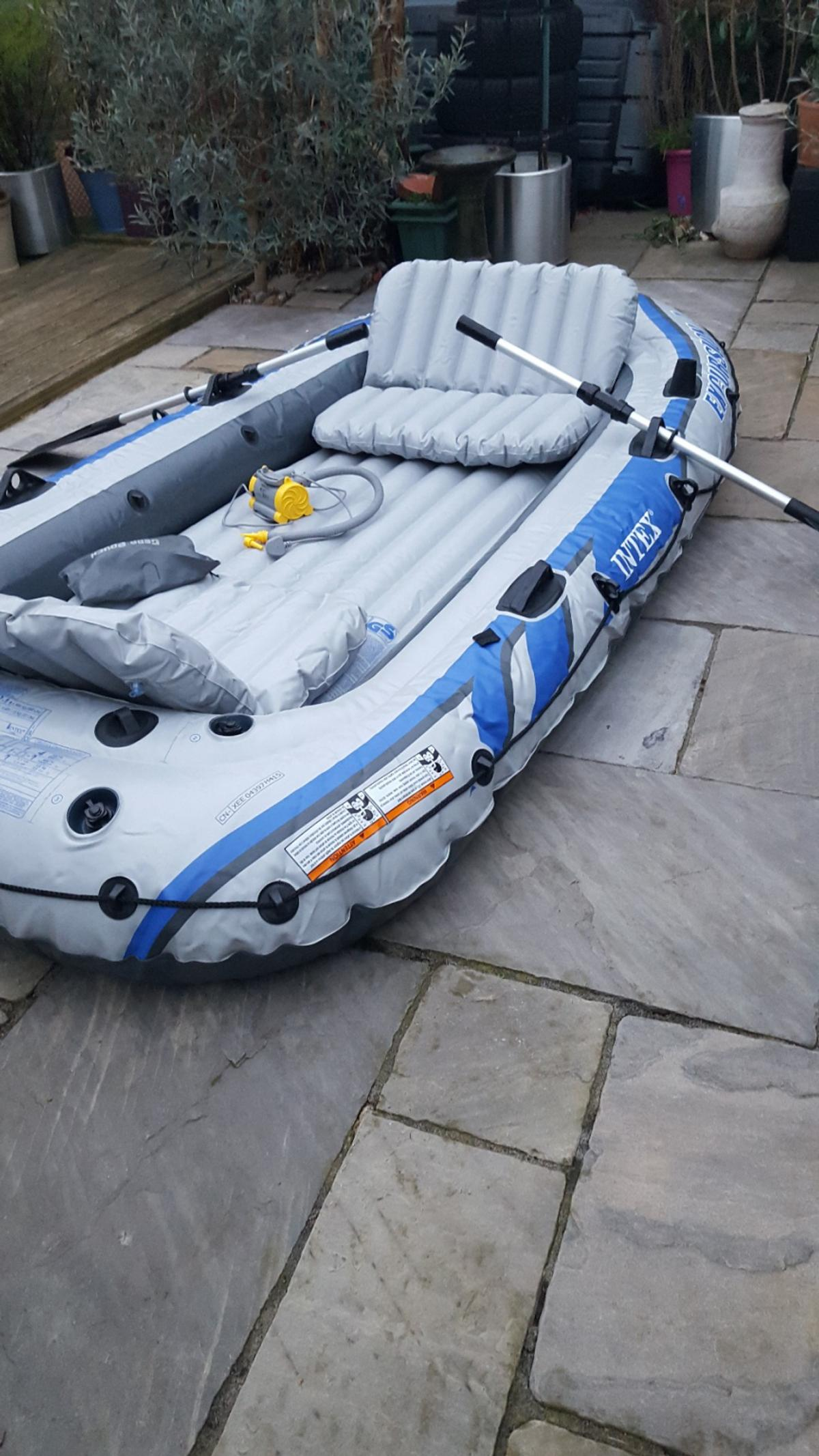 intex excursion 4 inflatable boat in SS14 Basildon for
