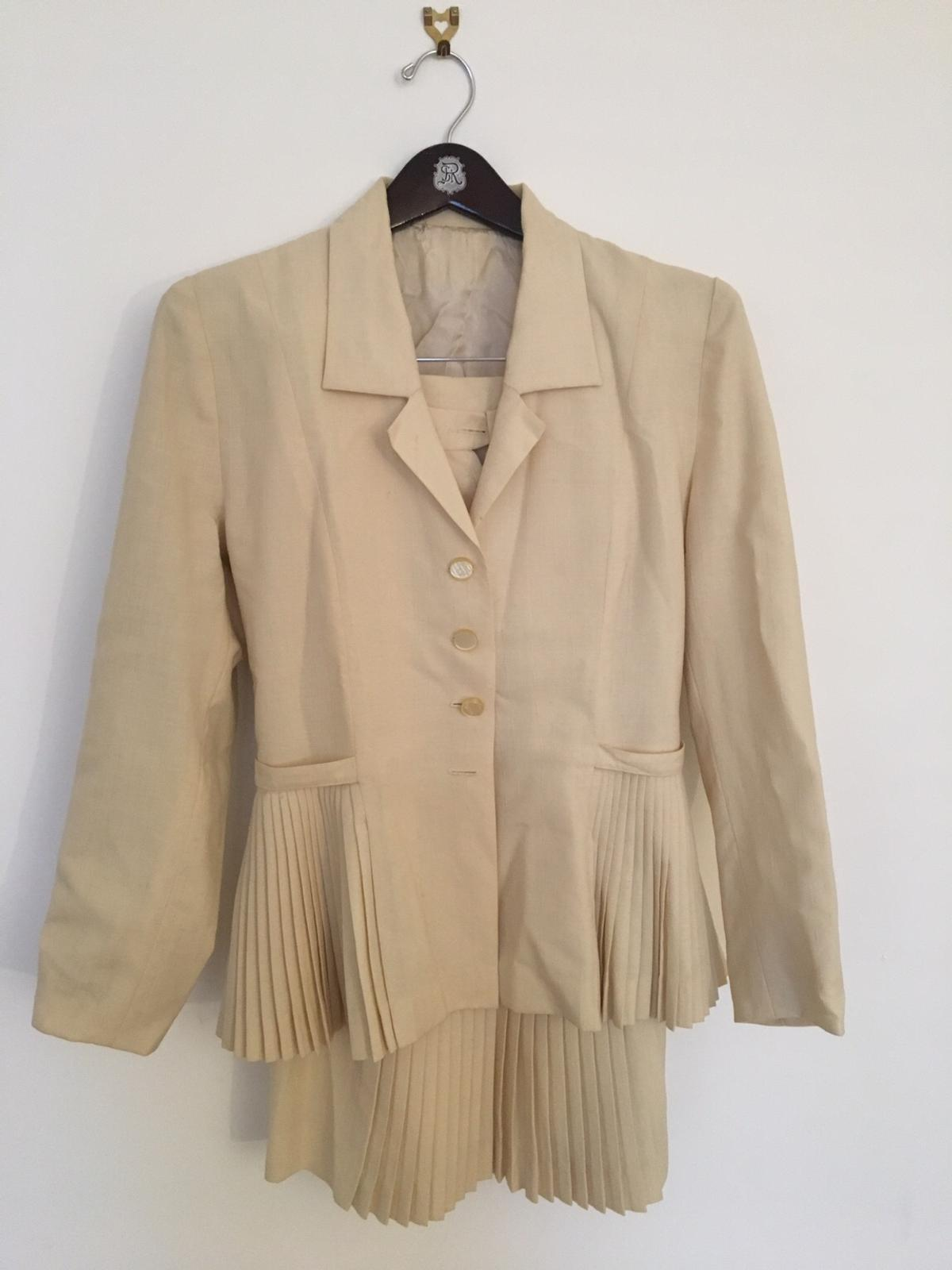 Vintage 1940s Skirt And Jacket Size 8 10 In Sw4 London For 20 00 For Sale Shpock