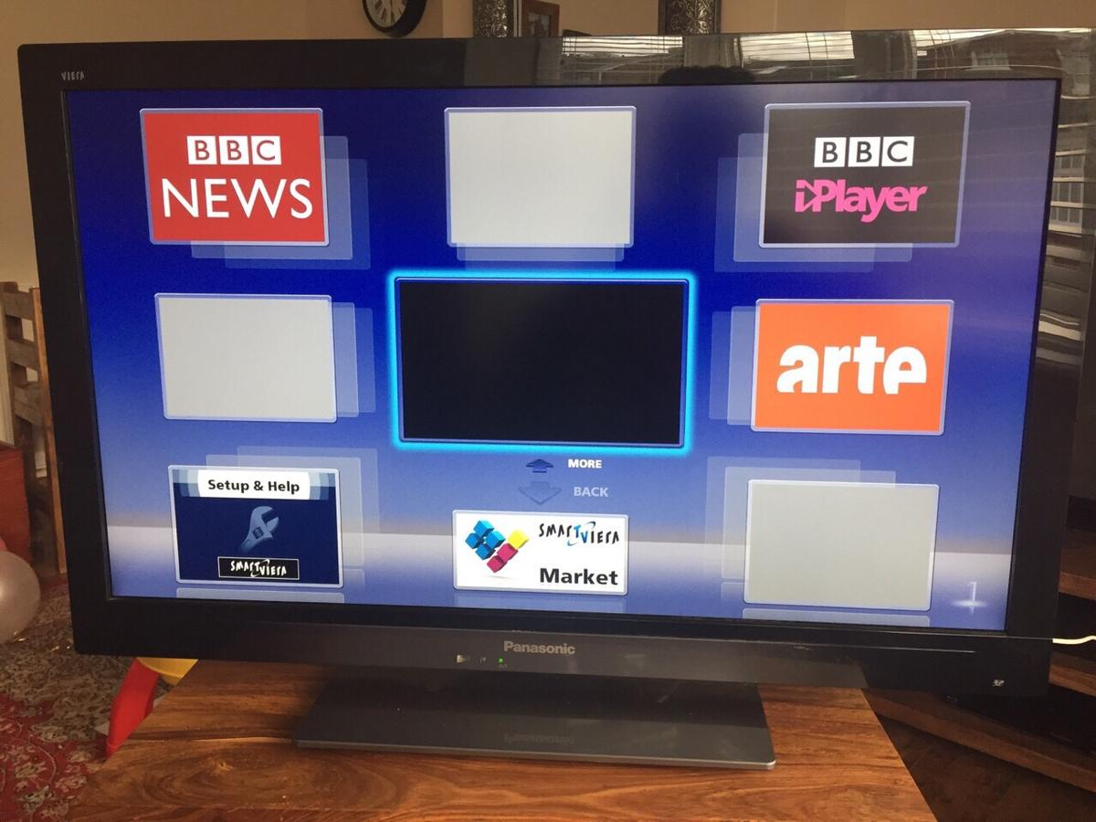 Panasonic Viera 32inch HD Smart TV in Runnymede for £80 00 for sale