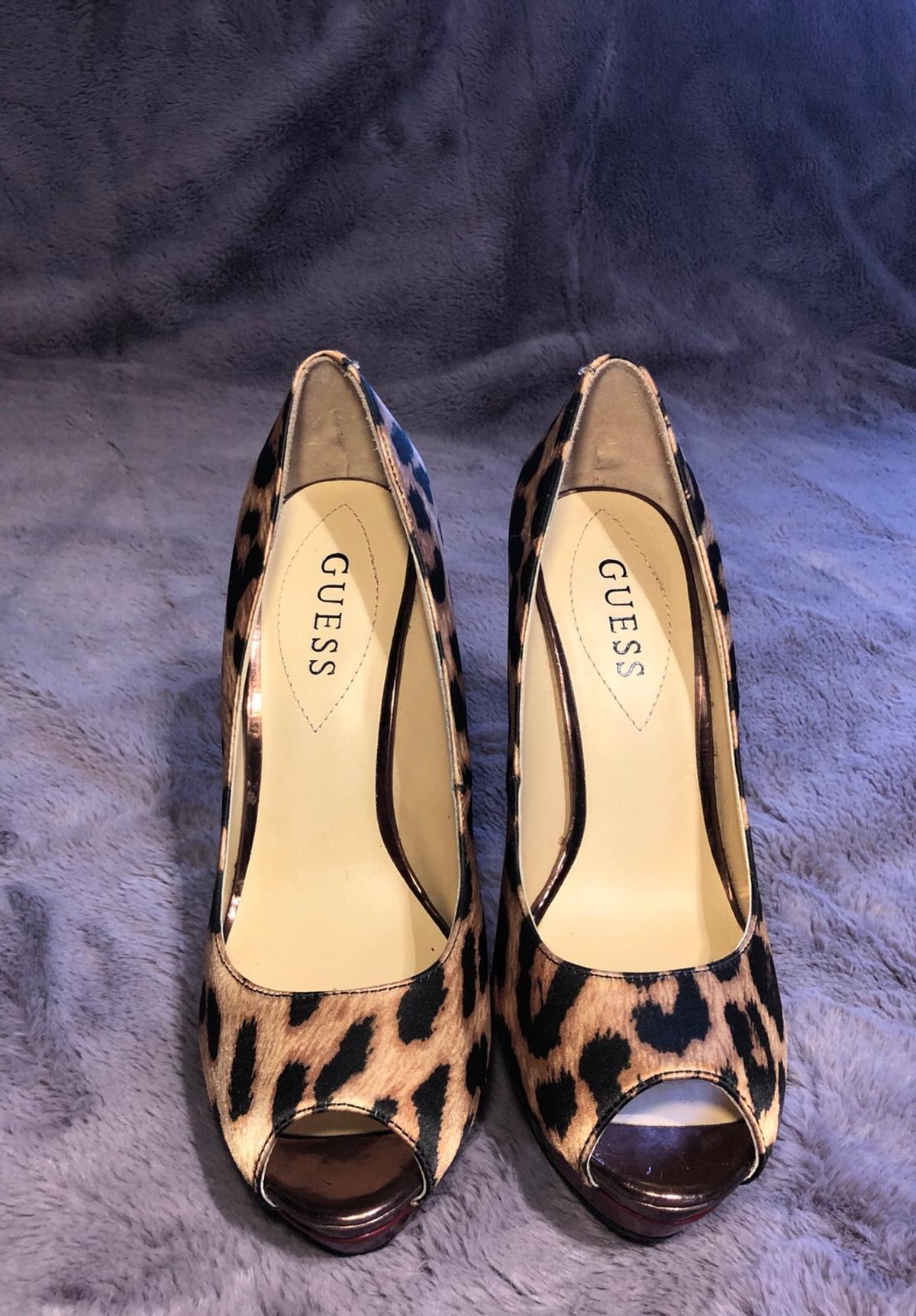 Brand new guess peep toe heels! in NW9 Barnet für 25,00