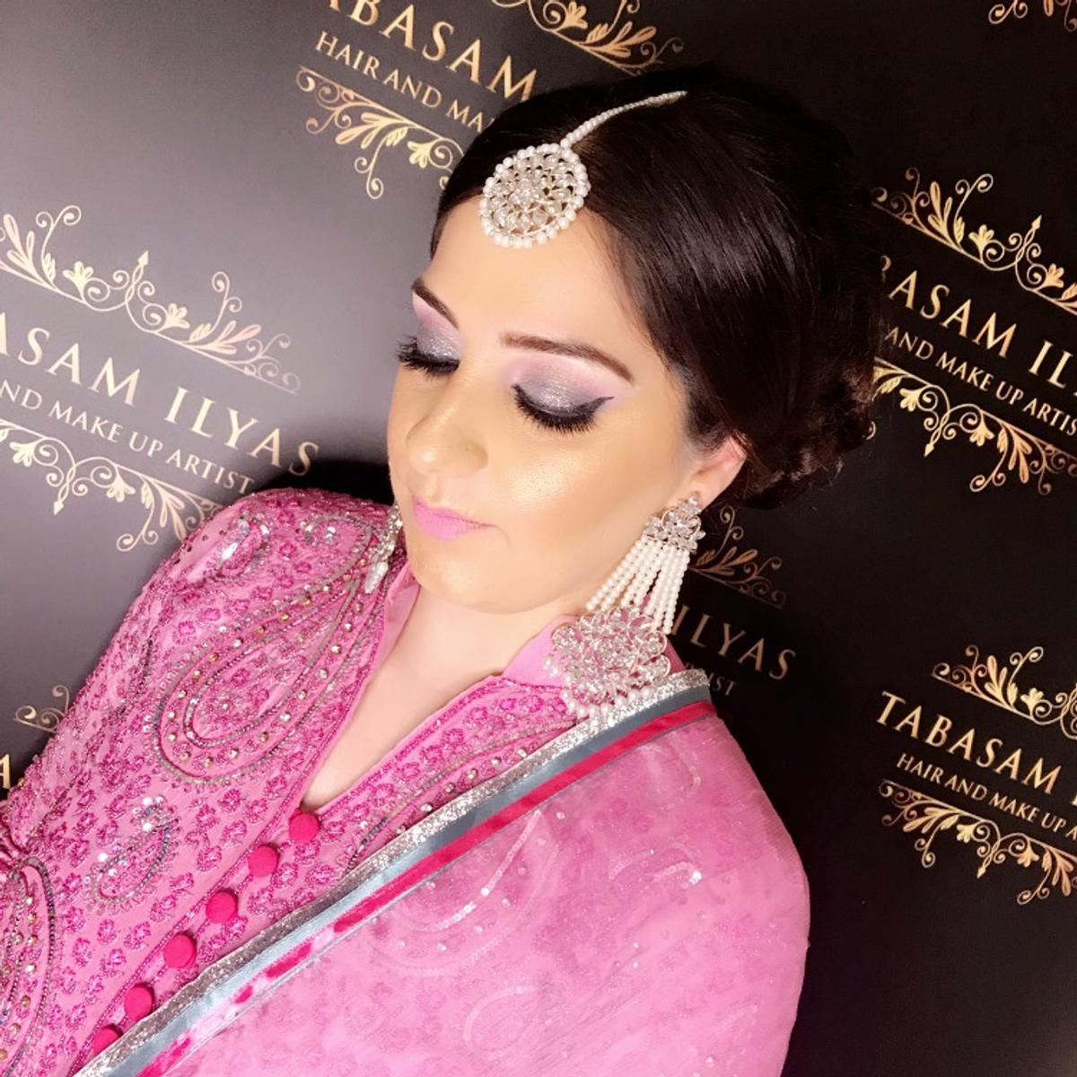 professional hair and makeup artist in wv1 wolverhampton for