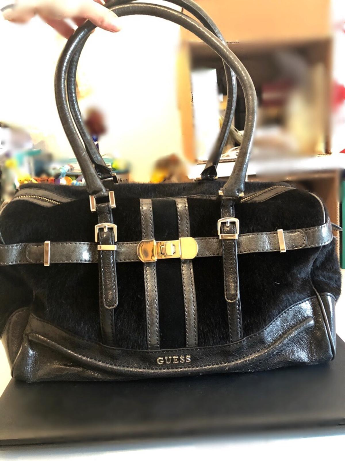 the latest d8818 ab683 Borsa guess