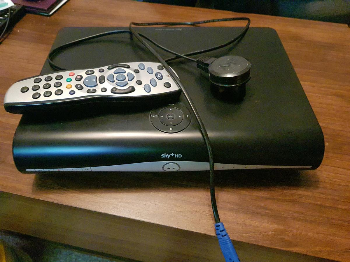 Sky TV box and Remote - Cheap freesat box