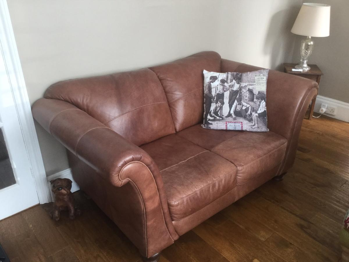 Dfs 2 Seater Leather Sofa In Se18 Royal Borough Of Greenwich For