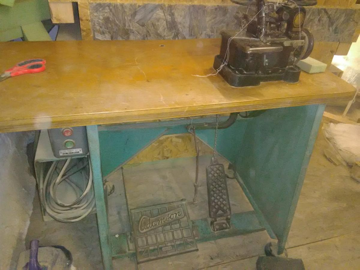 Singer Vintage overlocker machine 81K3 in L21 Sefton for