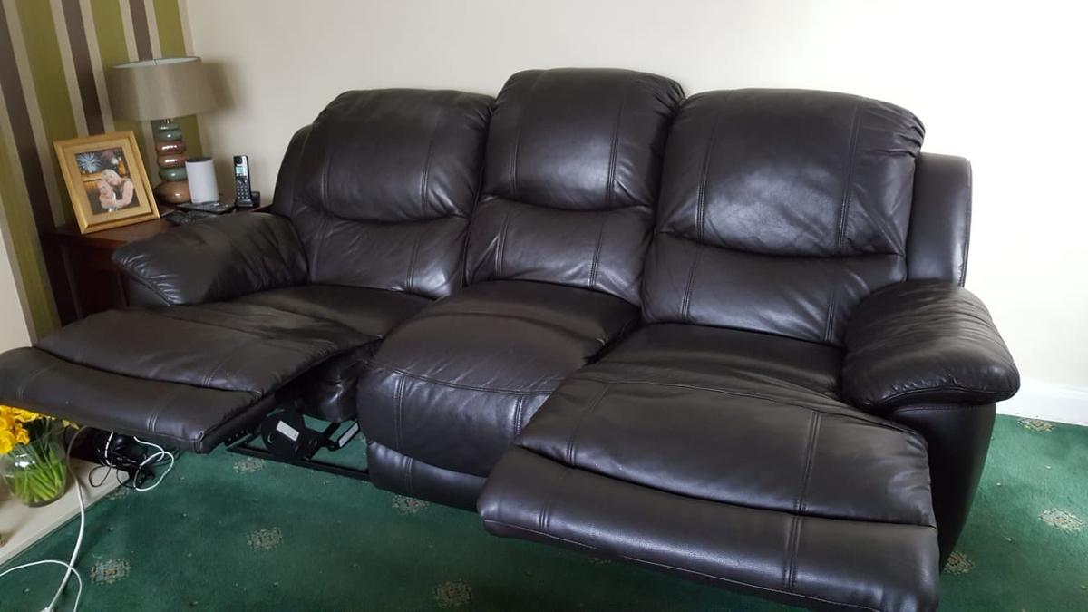 3 +2 seater recliner leather sofa in BR5 Bromley for £180.00 for ...
