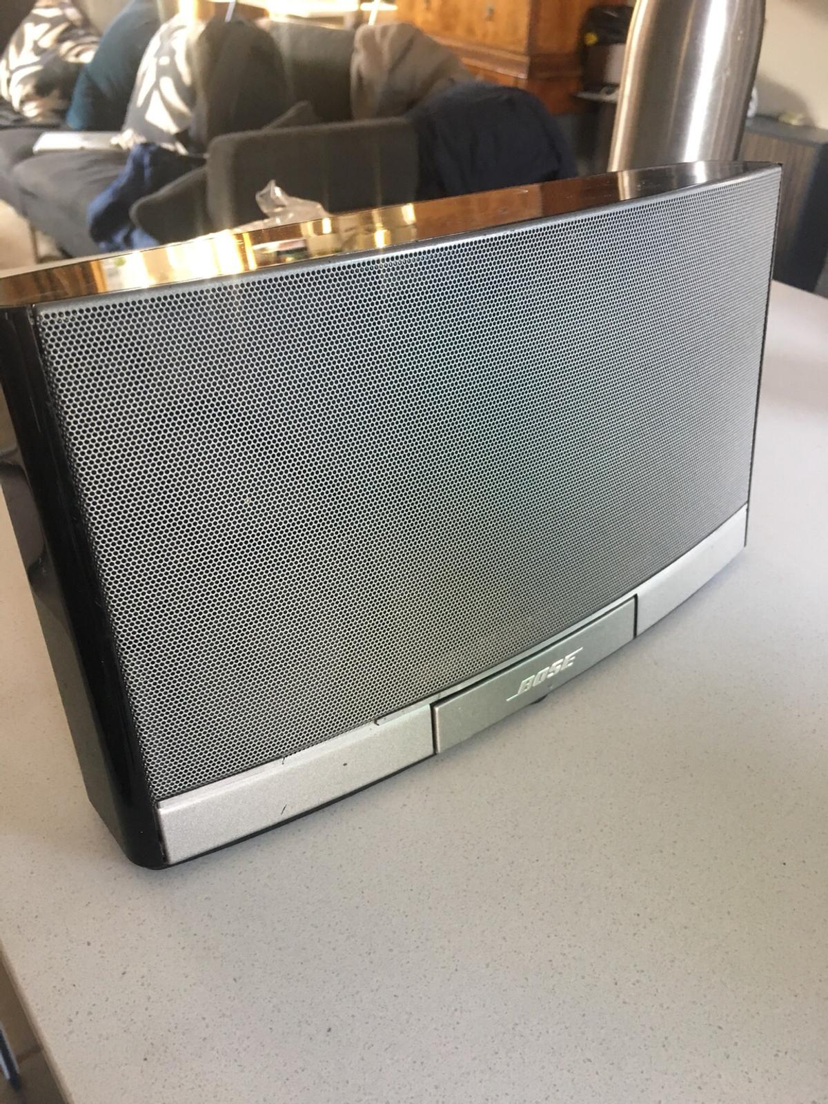 Bose Sounddock Portable W10 in SW6 Fulham for £45 00 for