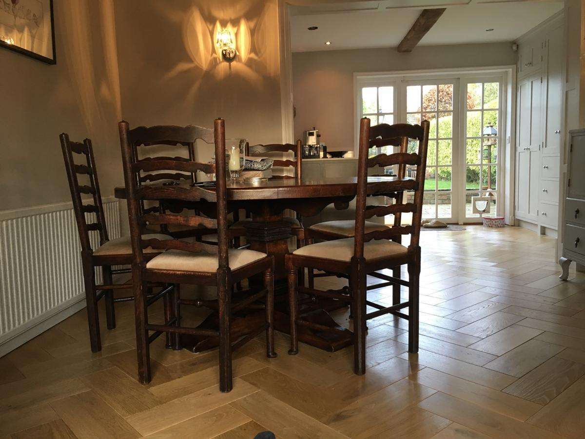 Circular Dining Table 6 Chairs In Cranage For 1 250 00 For Sale Shpock