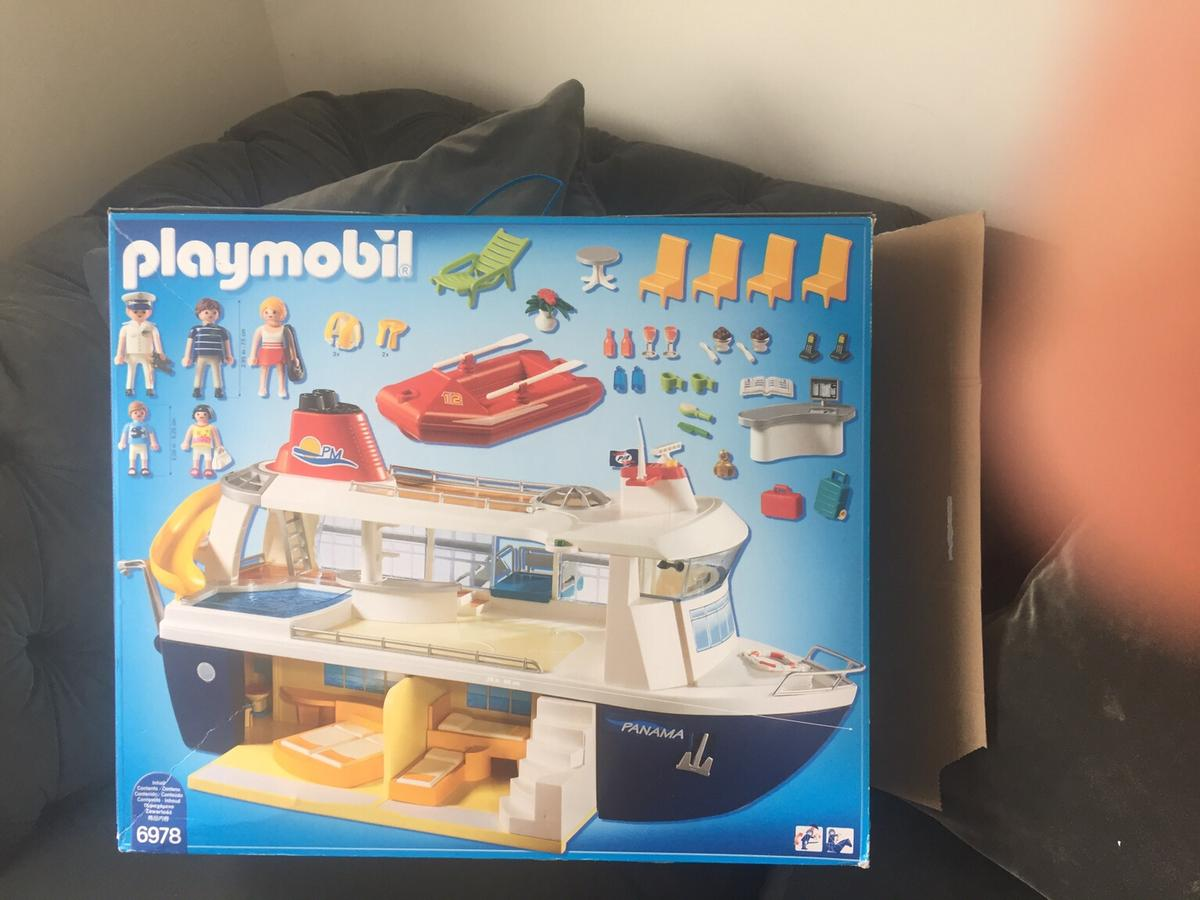 playmobile cruise ship in rm11 havering for £6000 for