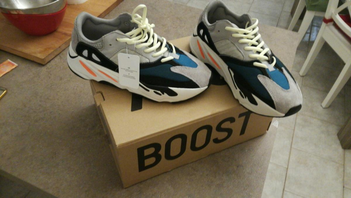 1b83b4d42 yeezy boost 700 in 43124 Parma for €99.00 for sale - Shpock