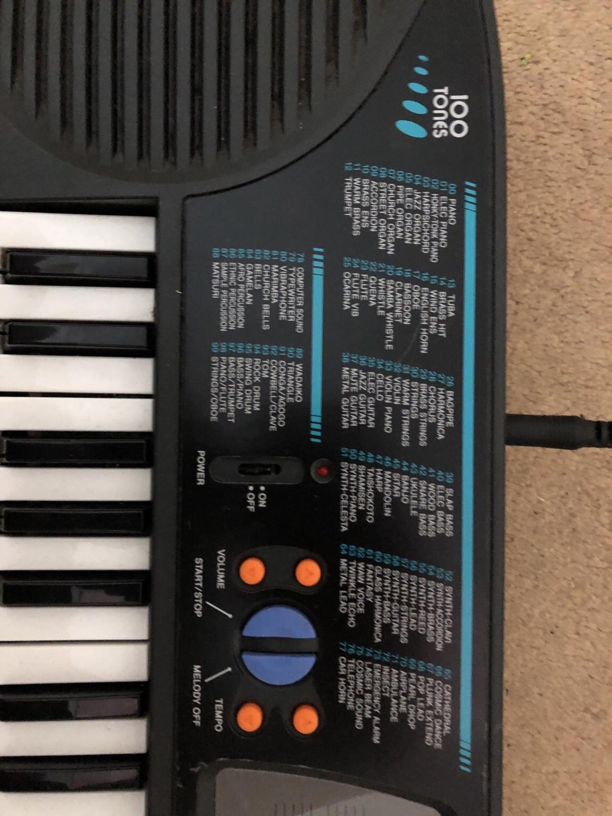 Casio keyboard in CV11 Nuneaton and Bedworth for £5 00 for sale - Shpock