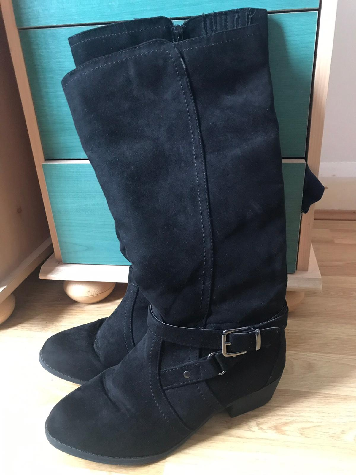 21d96fd81bd Wide fit size 7 knee boots in Barnsley for £10.00 for sale - Shpock